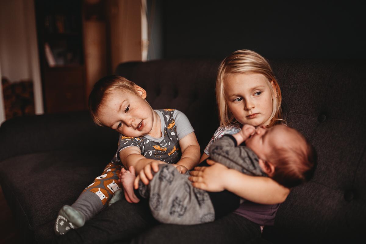 Elu kolme väikese lapsega – võimatu missioon või armas kamp?